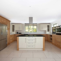 Saunton – Natural Oak & Painted Oak (Alabaster)