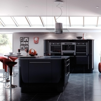 Sorrento – High Gloss Black